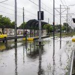 Llueve sobre inundado