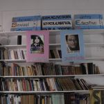Una biblioteca que construye conocimiento diverso
