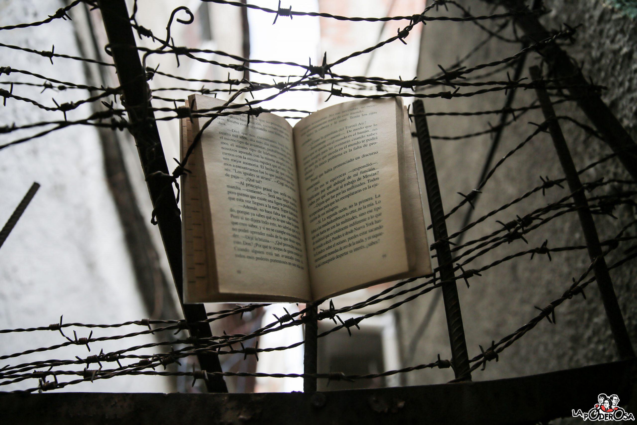 """""""Un poeta, un torturador y una luchadora"""""""